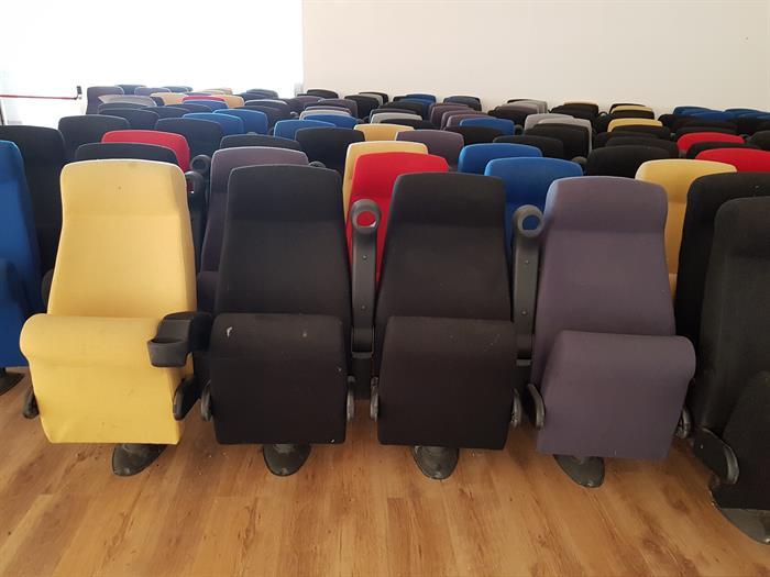 Poltrone cinema teatro su portobello.it attrezzature e materiali
