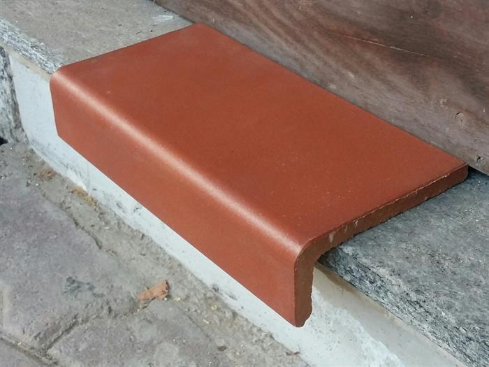 Piastrelle gradino klincher sire gl su portobello materiali